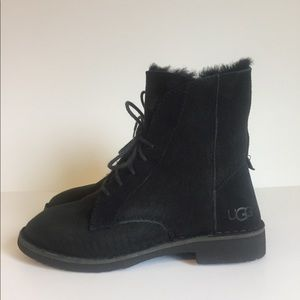 New UGG Black Suede Boots size 6.5M.